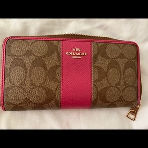 Authentic Coach Wallet💖 Hot Pink  and Brown